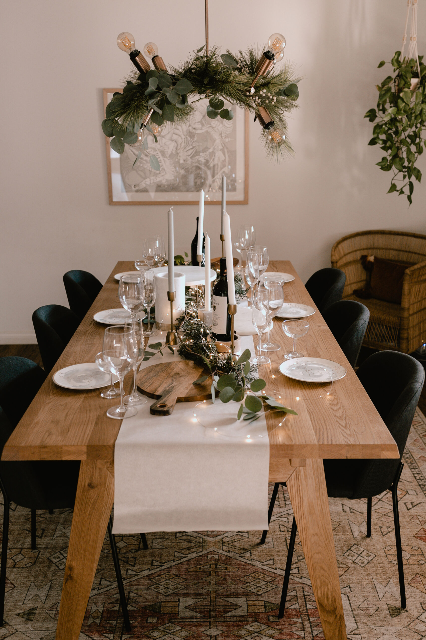 setting the table for a simple charcuterie holiday gathering #holidayhostess #hostesswiththemostes #charcuterieboard #christmastime