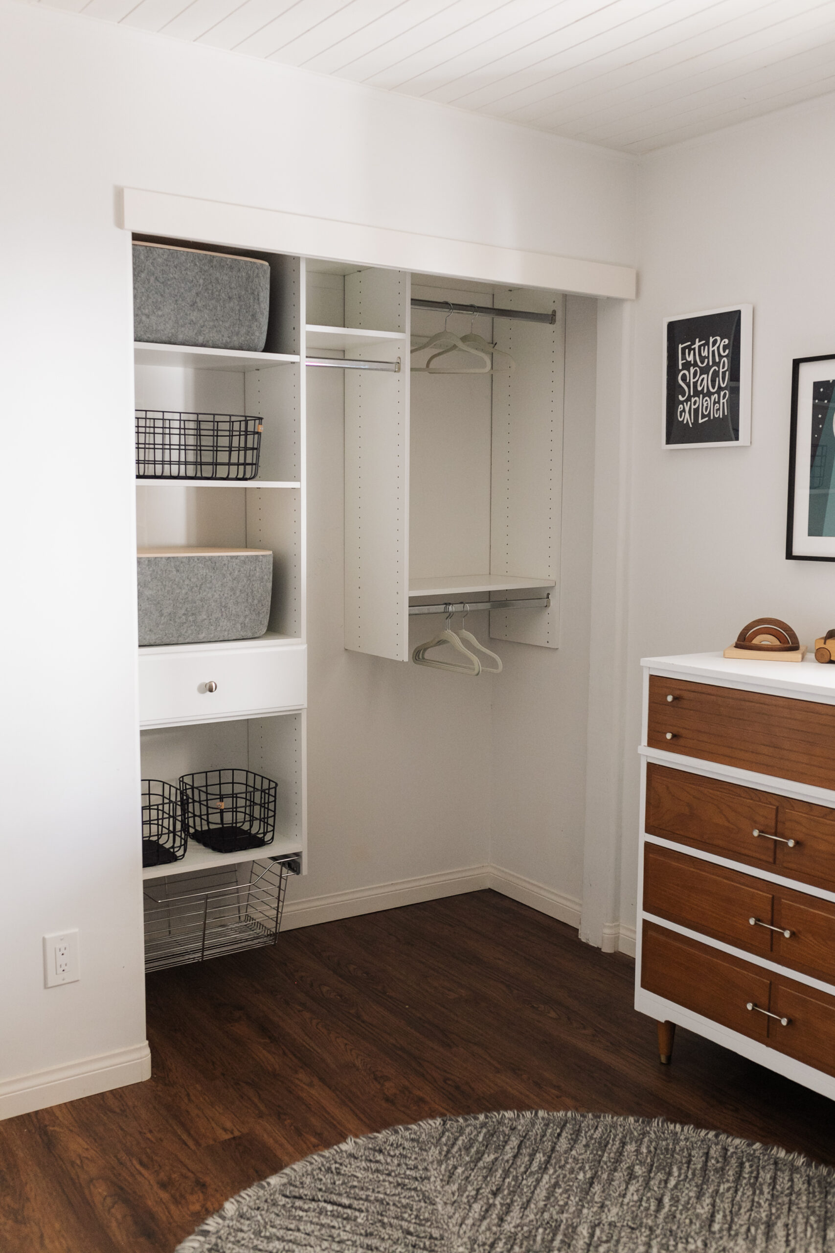 how our (mostly DIY) kid's room closet turned out here! #kidscloset #closethack #DIYcloset #storagesolutions #organization