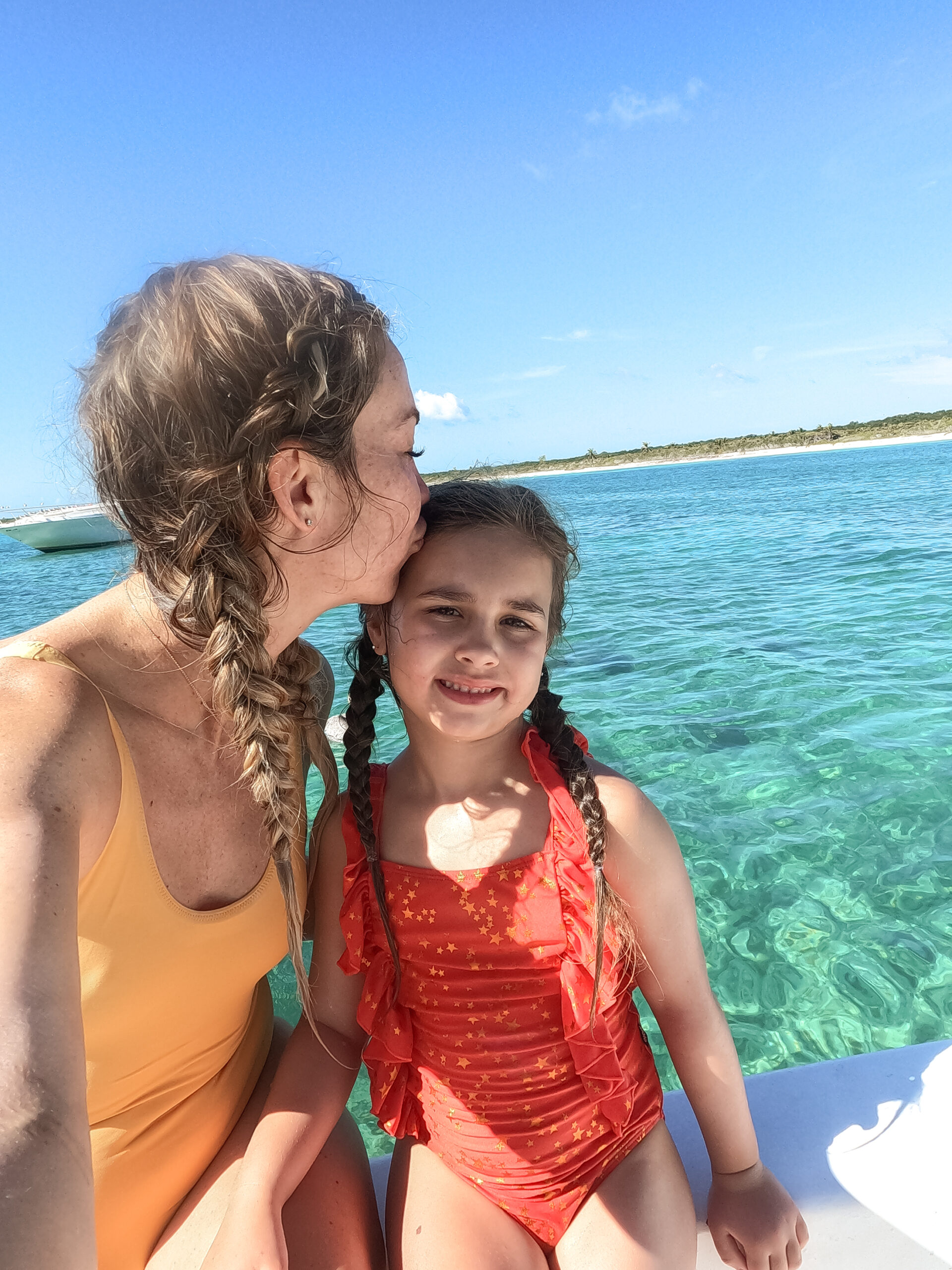 so much fun on the boat catching our lunch #thelovedesignedlife #theldltravels #familytravel #fishingboat #fishiningmexico #snorkeling