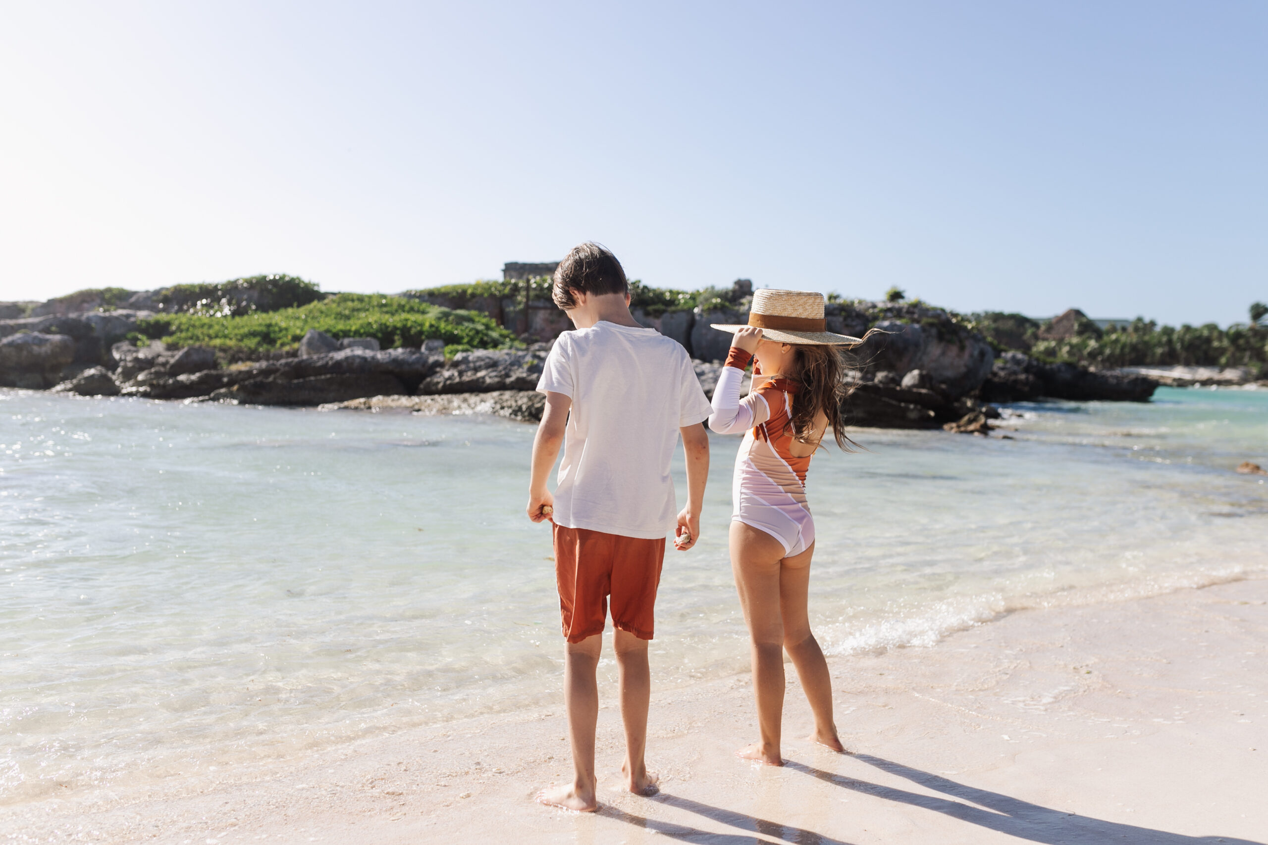 the kids by the beach in the riviera maya #theldltravles #thelovedesignedlife #beachbabies #travelwithkids