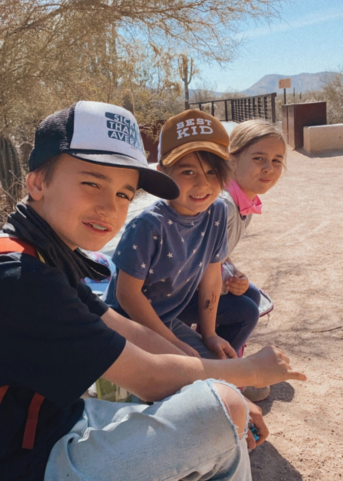 hiking in arizona in the spring with kids and the whole family! #thelovedesignedlife #hiking #getoutside #outdoorfamilies #thingstodoinarizona