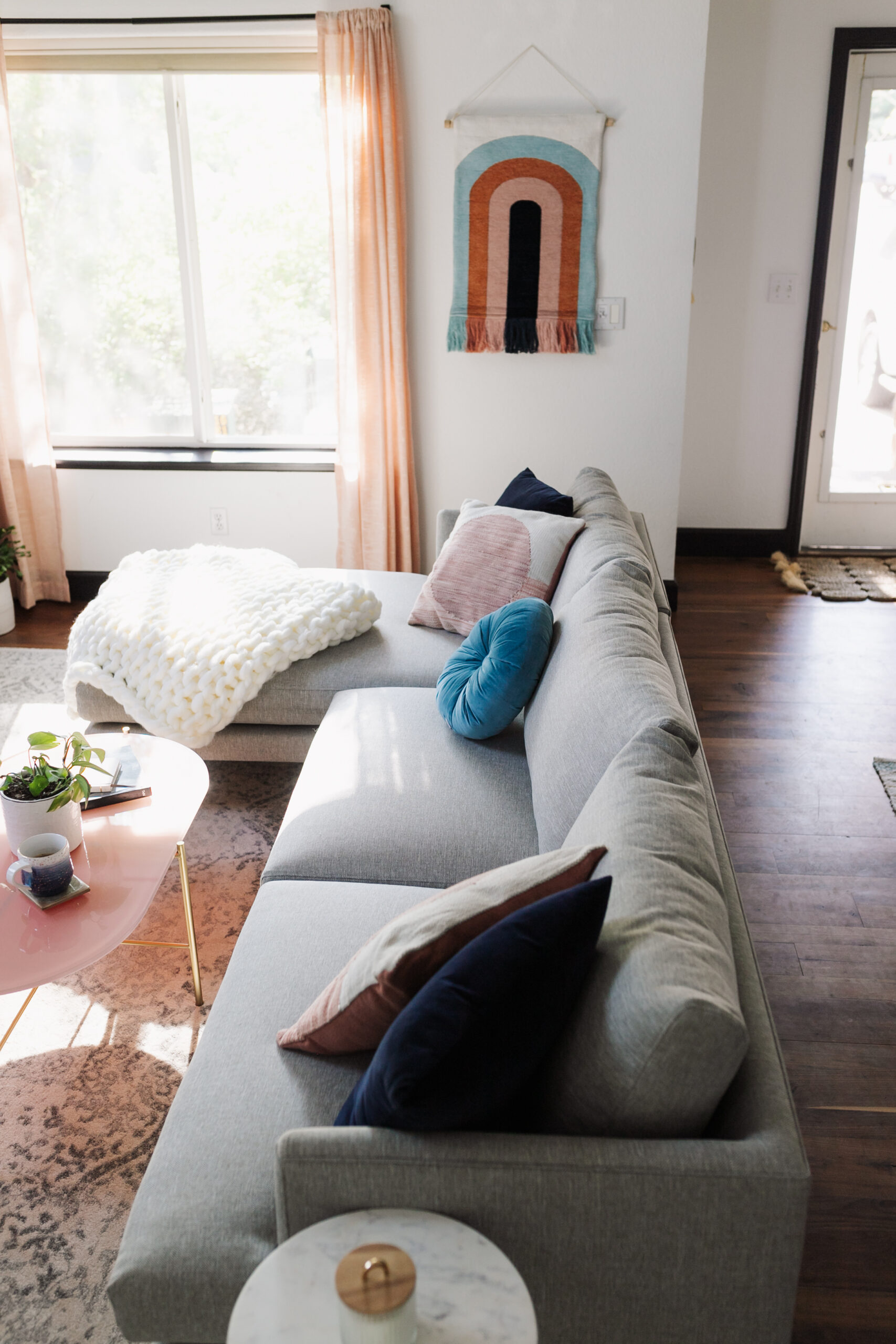 all the details from the cozy modern mountain living room are on the blog #thelovedesignedlife #theldlhome #modernmountainlivingroom #mountainliving #homedesigne #interiordesign #ourarticle
